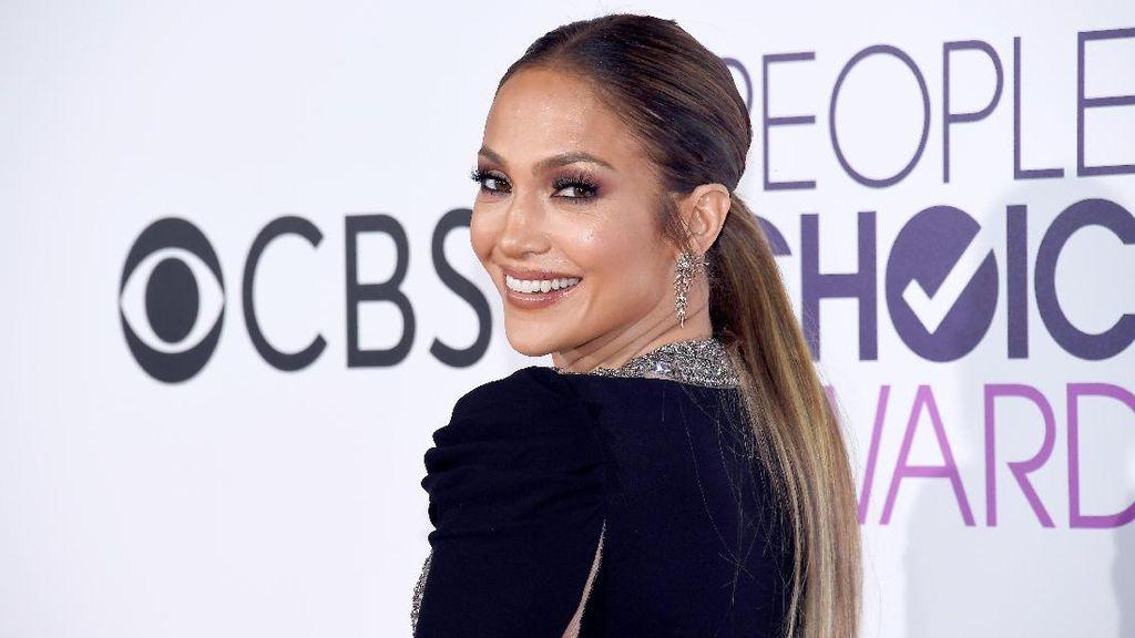 Jennifer Lopez Kucurkan Duit untuk Tim Esports NRG