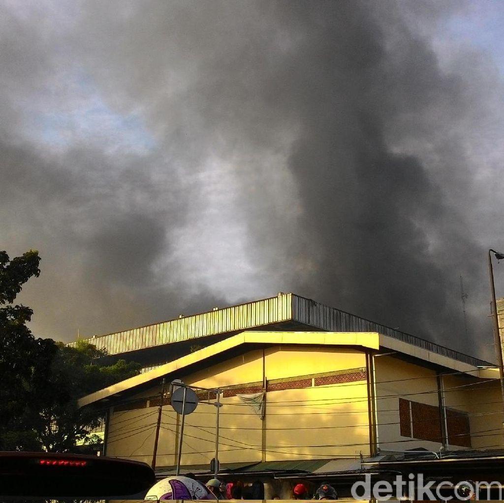Ada Kebakaran di Pasar, TransJ Tak Lewati Halte Sentral Senen