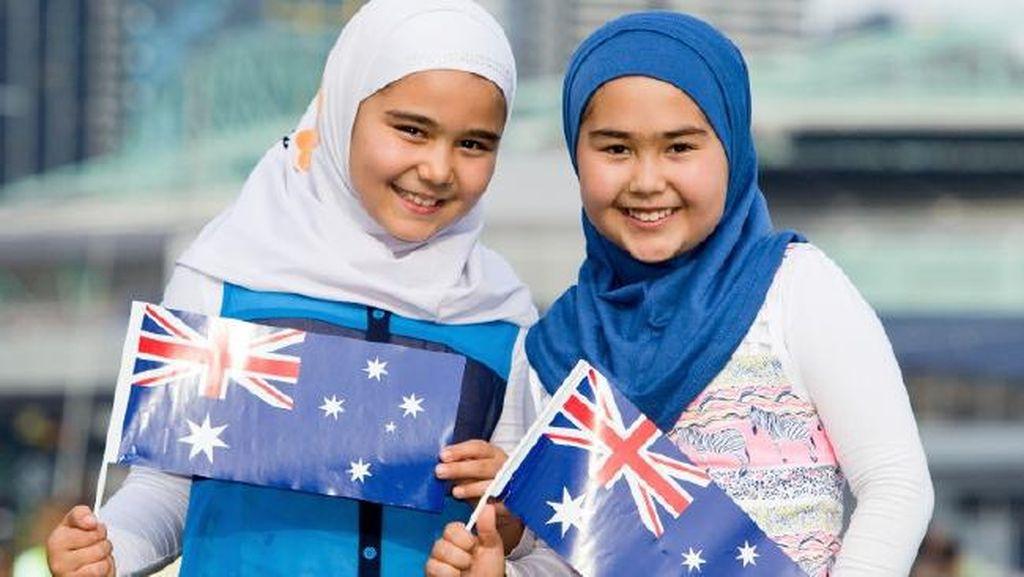 Dikecam, Iklan Billboard Bergambar 2 Hijabers Australia Diturunkan