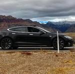 Pengendara Tesla Ini Terdampar Saat Ponselnya Kehilangan Sinyal