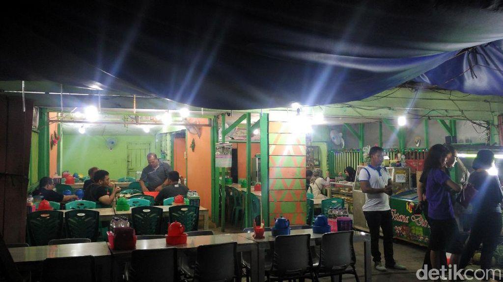 Asyiknya Berburu Durian Malam-Malam di Pekanbaru