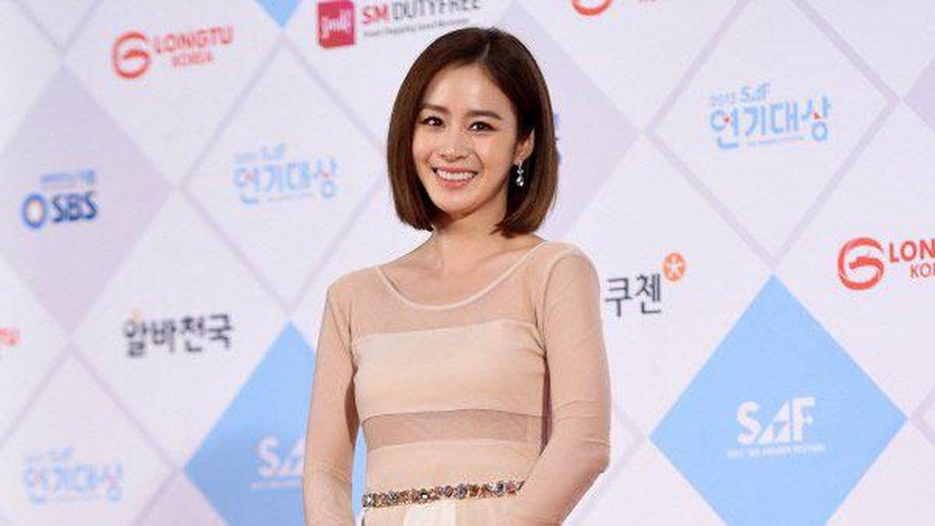 Foto: Berusia 36, Kim Tae-Hee Istri Rain Seperti Gadis 20 Tahun