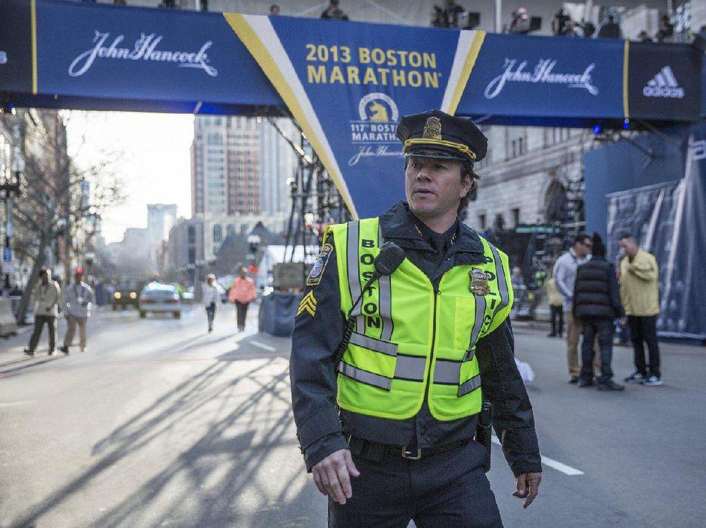 Sinopsis Patriots Day, Mengejar Pelaku Bom Boston