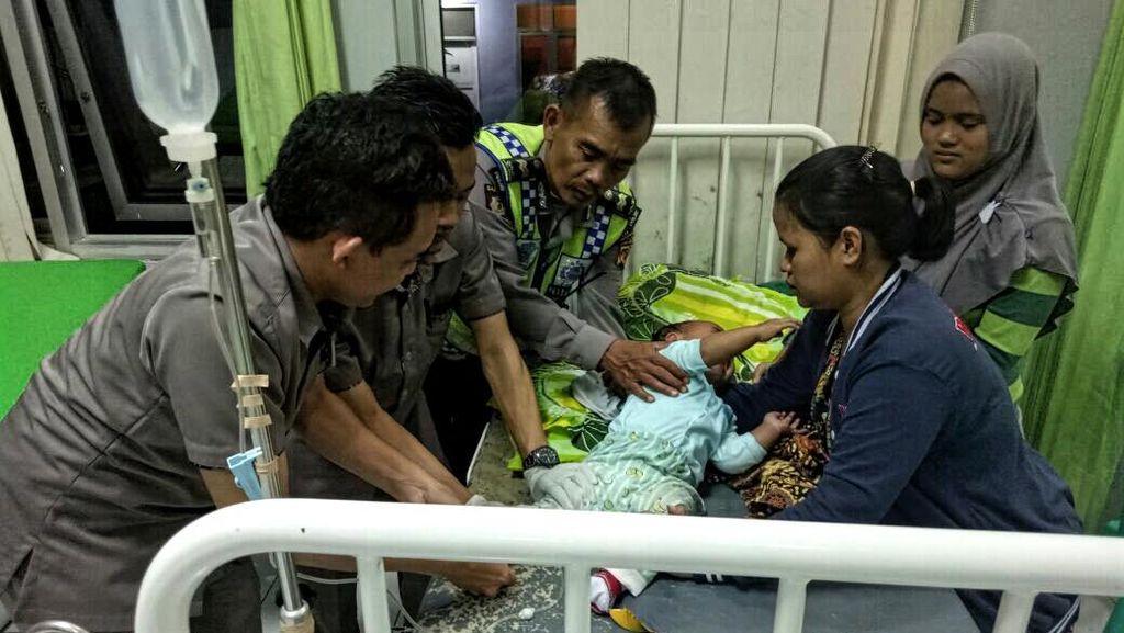 Cerita Dua Polisi Yang Selamatkan Nyawa Balita di Sukabumi