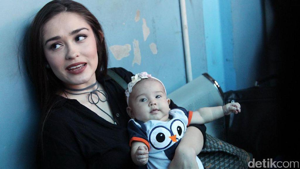 Vakum, Yasmine Wildblood Tak Mau Kehilangan Momen dengan Anak