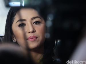Datang ke Acara Tahlilan Jupe, Dewi Persik Izin Syuting