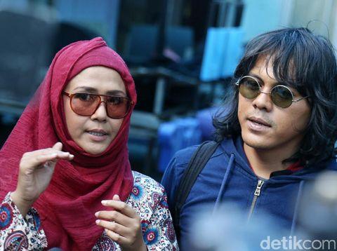 Ria Irawan dan suami, Mayky Wongkar/