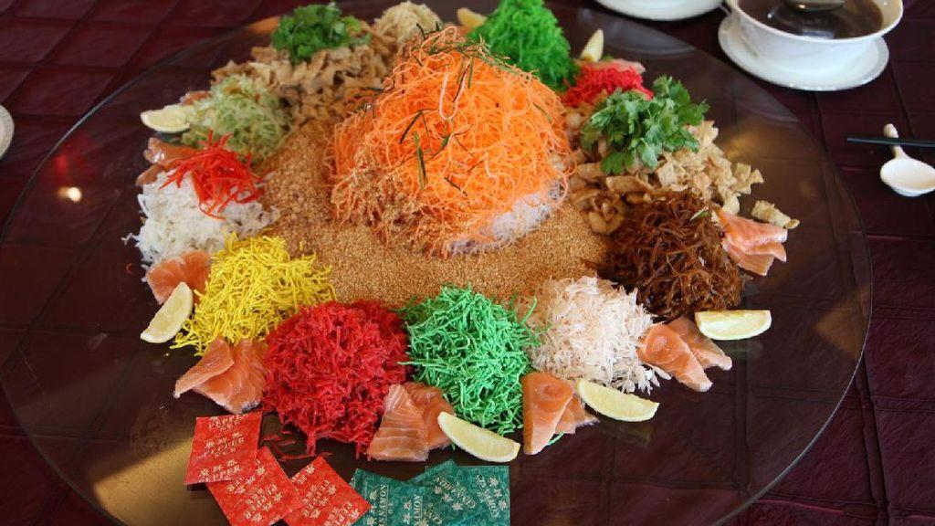 Rayakan Tahun Ayam dengan Yee Sang dan Nian Gao di Restoran Ini