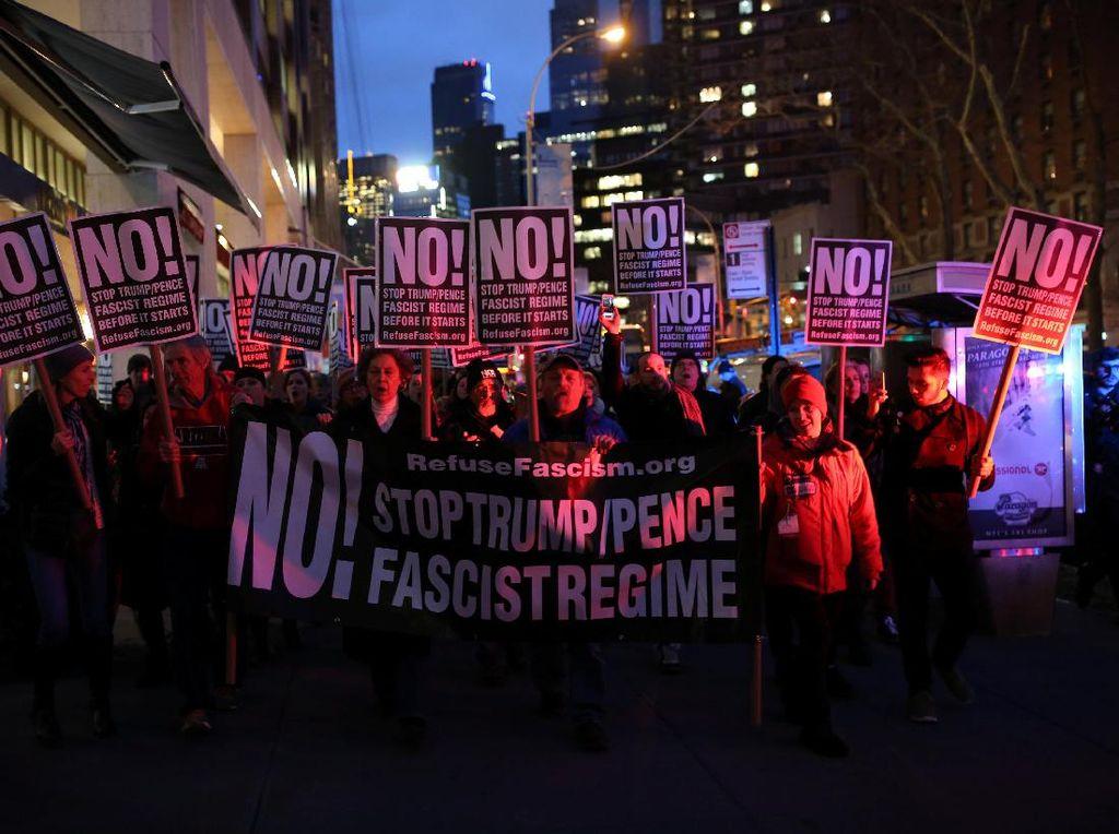 Aksi Protes Pelantikan Trump