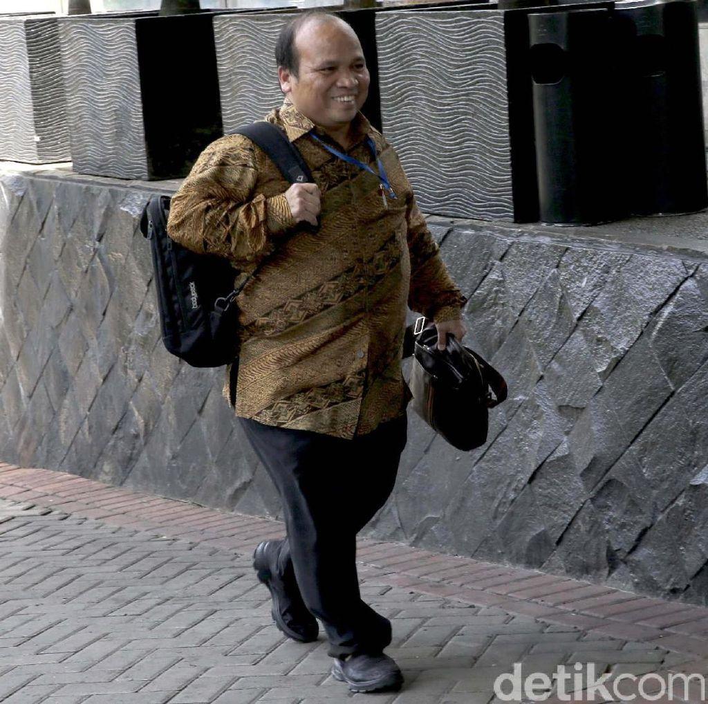 Eks Ketua PPATK Yunus Husein Datangi KPK