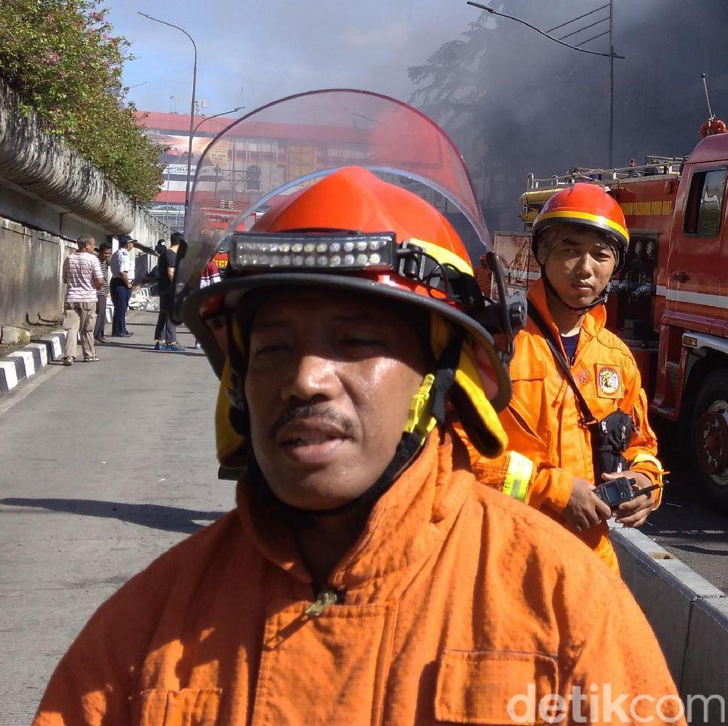 Motto Pemadam Kebakaran Pasar Senen: Pantang Pulang Sebelum Padam