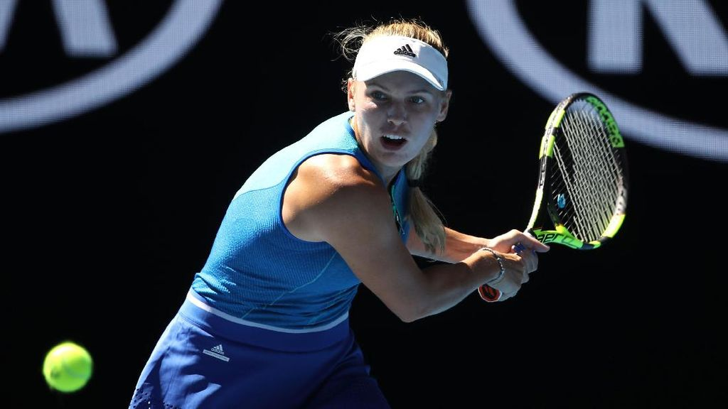 Wozniacki Angkat Topi untuk Penampilan Sip Johanna Konta