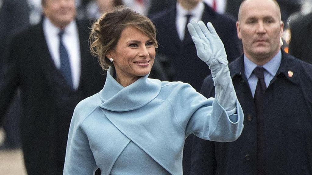 Melania dan Barron Trump Baru akan Pindah Ke Gedung Putih 6 Bulan Lagi