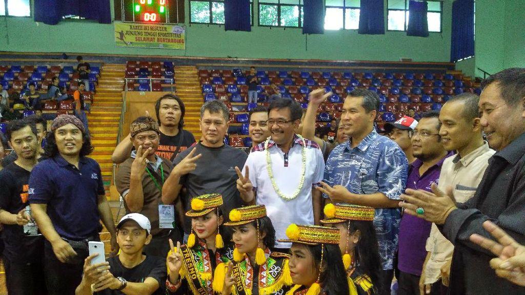 Buka Tanding Futsal, Djarot Pamer Rusun Cup Berhadiah ke Valencia