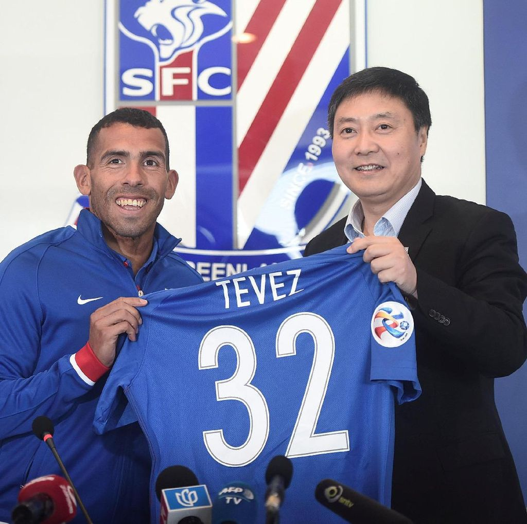 Tevez: Untuk Apa Membahas Gaji Saya di Shanghai Shenhua?