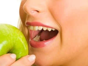 Kunyah Makanan dengan Benar Agar Tubuh Terlindung dari Penyakit