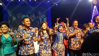 Saat Agus Yudhoyono dan Sylvi Berjoget di Natal Demokrat