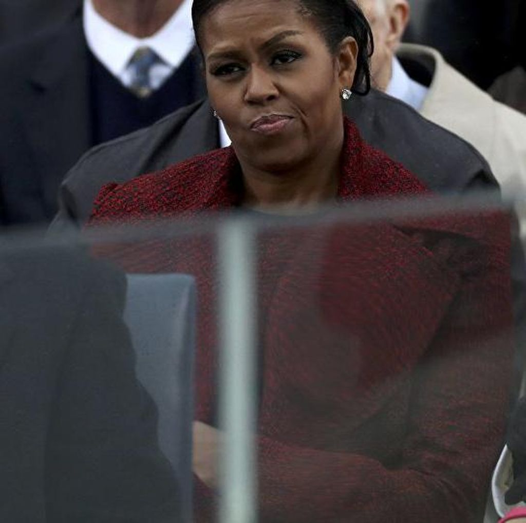 Ekspresi Michelle Obama di Pelantikan Trump Jadi Meme Lucu