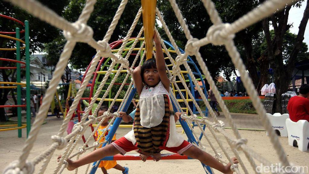Sarana Bermain Anak RPTRA Kenanga Cideng