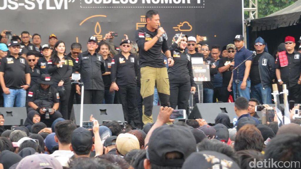Apel Siaga Relawan, Agus Yudhoyono Stage Dive 2 Kali