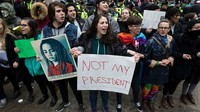 Bagi Ganja dan 4 Cara Lain Rakyat AS Protes Pelantikan Trump