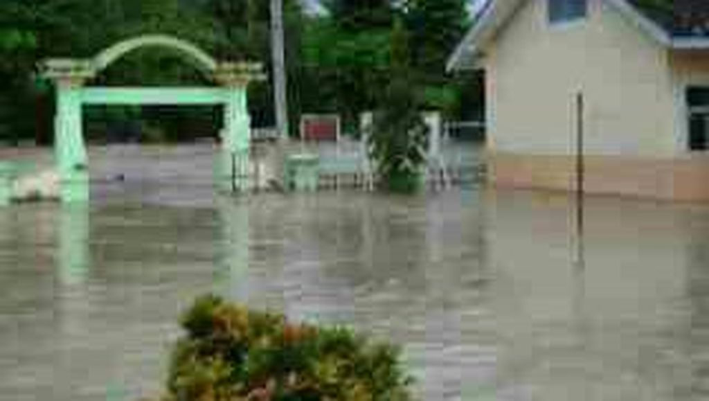 Sungai Cijangkelok Meluap, 6 Desa di Kuningan Banjir Satu Meter