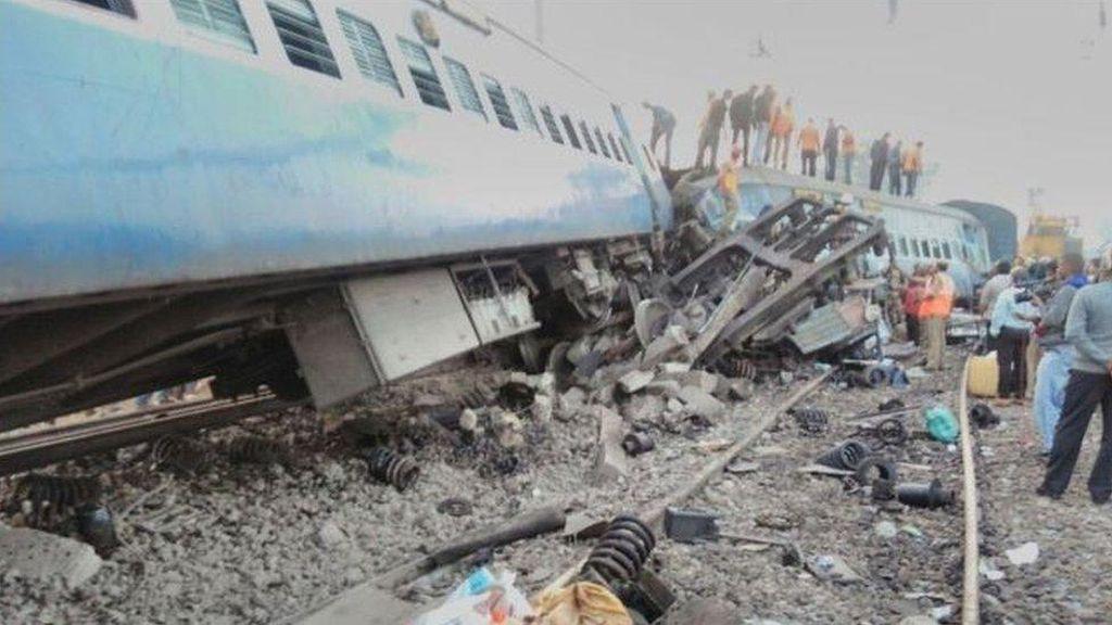 Korban Tewas Kecelakaan Kereta di India Jadi 36 Orang