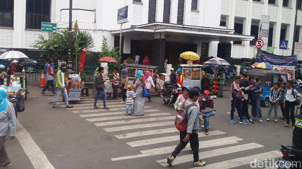 Jakarta Tanpa Ahok, Ini Penjelasan Satpol PP Soal PKL di Kota Tua