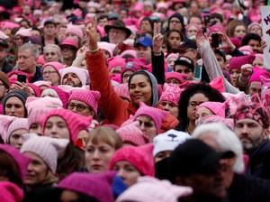 Ratusan Ribu Wanita Demo Donald Trump