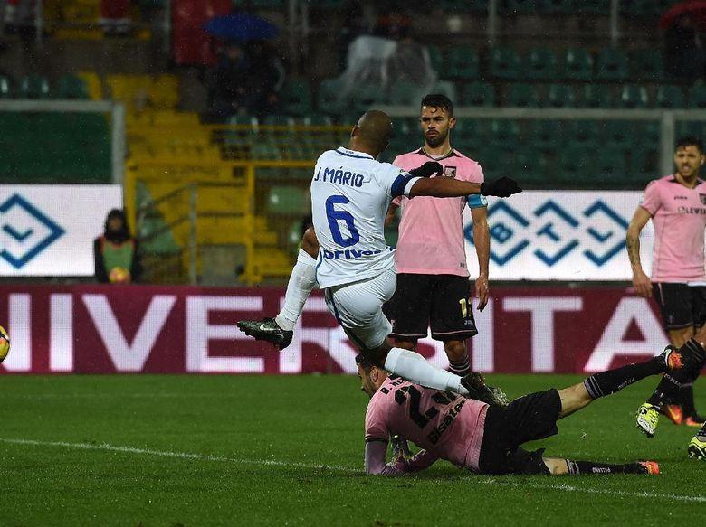 """Bandar Poker - Joao Mario Bawa Inter Milan Kalahkan Palermo"""