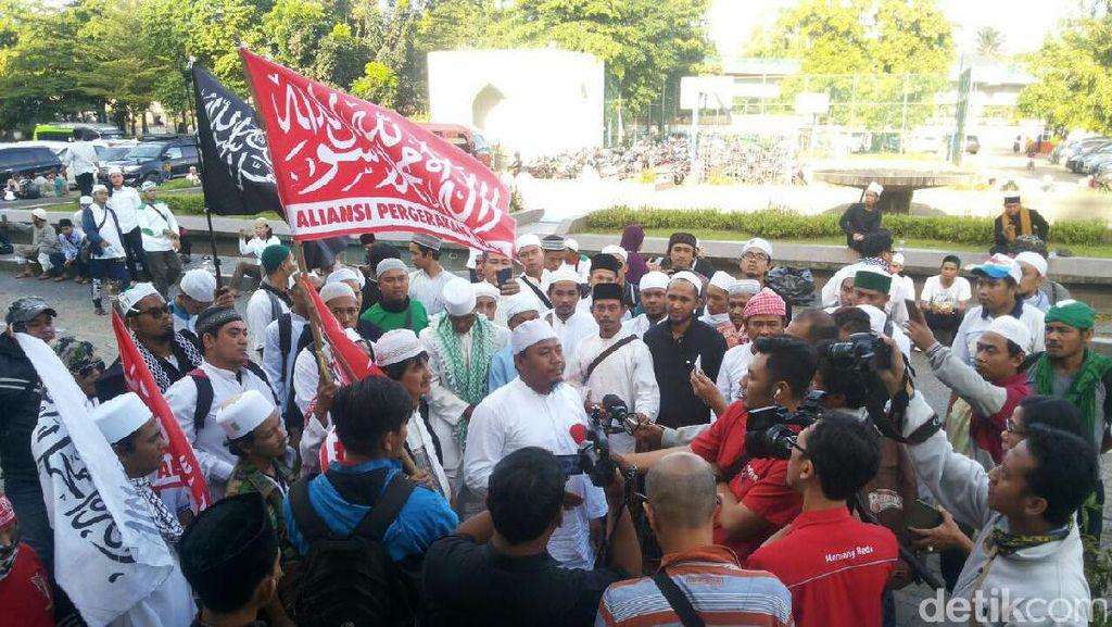 Massa FPI Konvoi dari Al-Azhar ke Polda, Ini Pengalihan Lalinnya