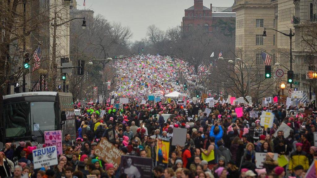 Jutaan Orang Memprotes Dirinya, Apa Tanggapan Presiden Trump?