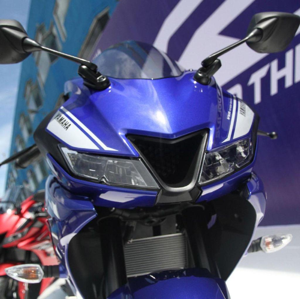 Yamaha R15 Model Lama Bisa Pakai Model Baru yang Upside Down?