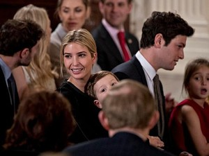 Hadiri Pelantikan Suami di Gedung Putih, Ivanka Trump Tampil Kasual