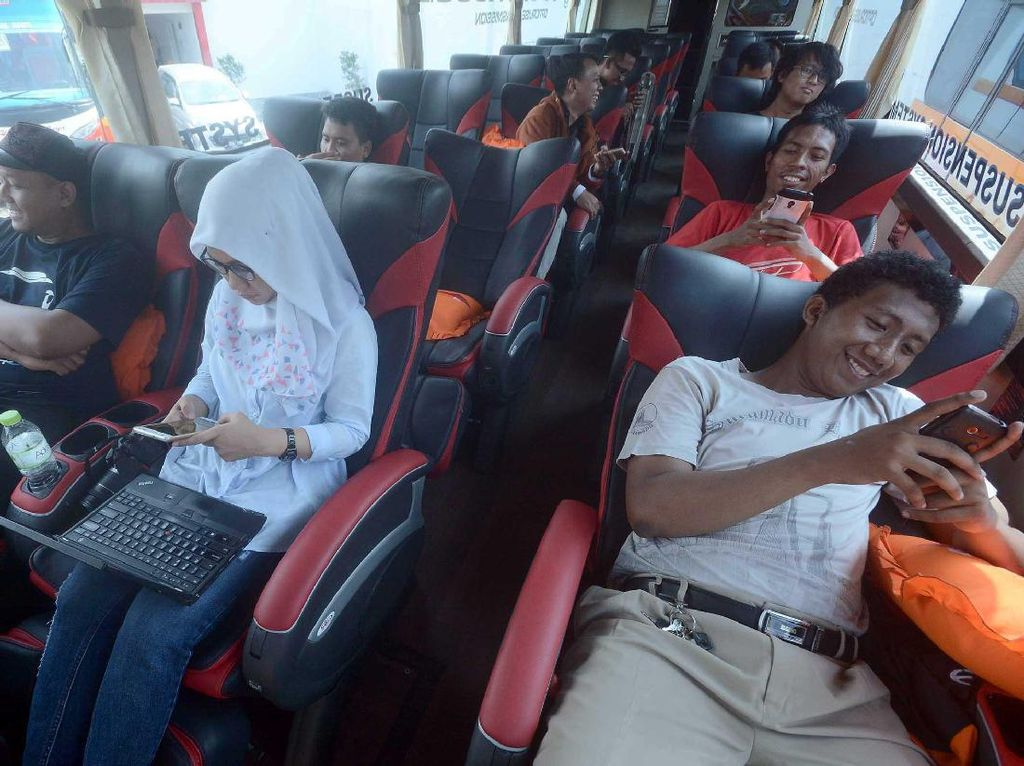 PO Harapan Jaya Luncurkan Armada Baru Bus Scania