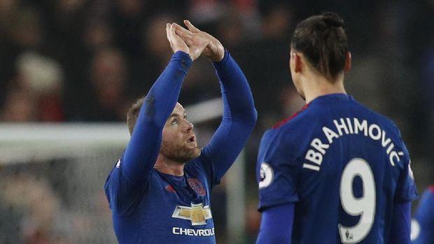 Wayne Rooney dan Ibrahimovic adalah dua pemain senior yang dilepas Jose Mourinho.