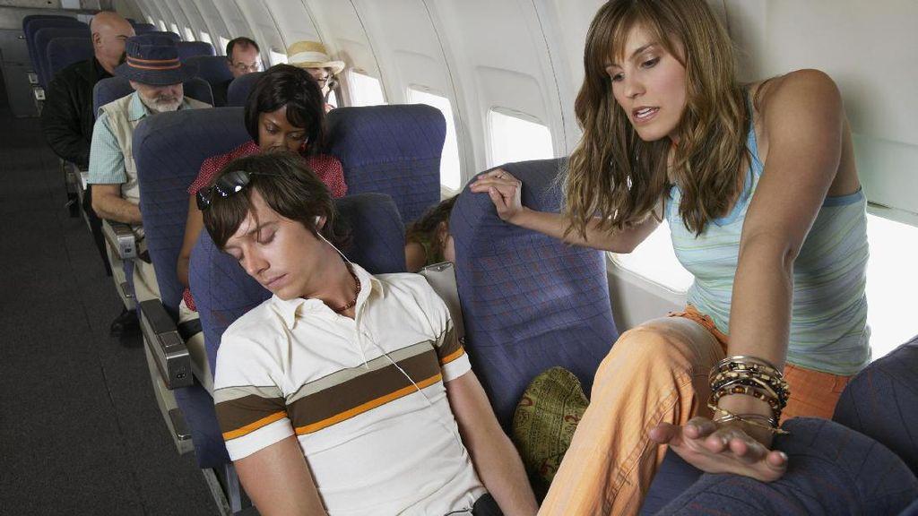 Inilah Tipe Penumpang Paling Menyebalkan di Pesawat (2)