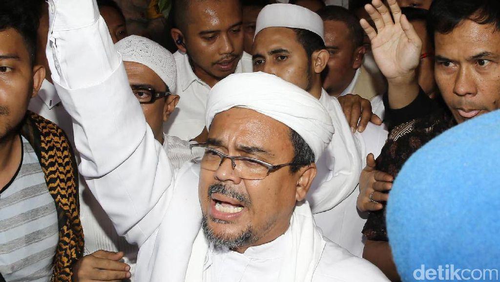 Polisi Gunakan UU ITE di Kasus Palu Arit Habib Rizieq