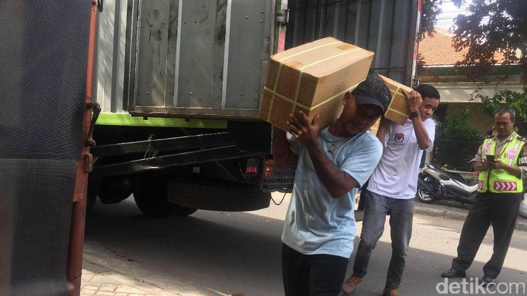 KPU Jaktim Terima 2 Juta Lebih Surat Suara untuk Pilgub DKI