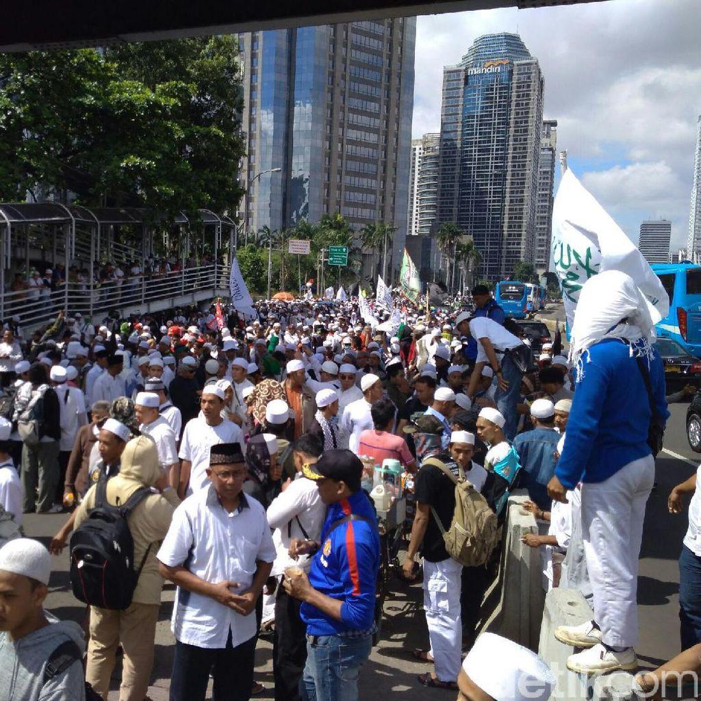 Ada Demo FPI, Lalin Slipi-Bundaran Senayan Dialihkan ke Kuningan
