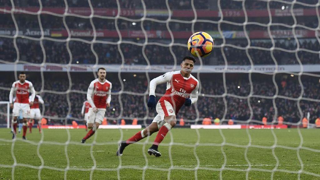Penalti Spesial Alexis Sanchez