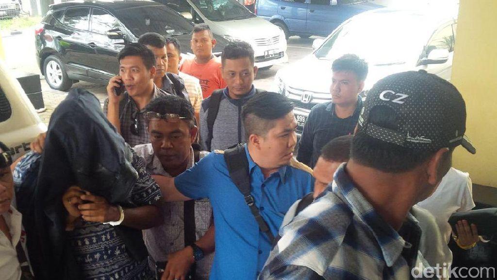 Dikawal Ketat, Otak Pembunuhan Pengusaha Airsoft Gun Tiba di Medan