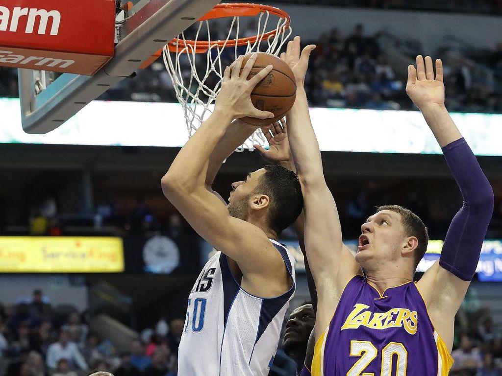 Mavericks Beri Lakers Kekalahan Terburuk dalam Sejarah Klub