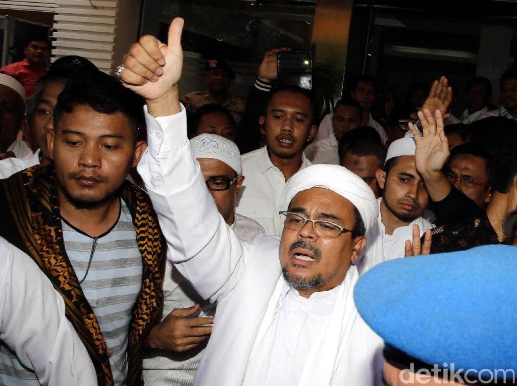 Habib Rizieq Diperiksa Soal Kasus Palu Arit
