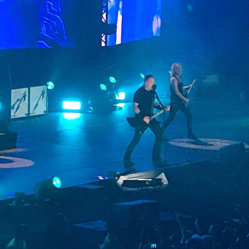 Serunya Konser Metallica di Singapura