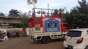 3 Mobil Komando Disiapkan Kawal Habib Rizieq ke Polda Metro Jaya