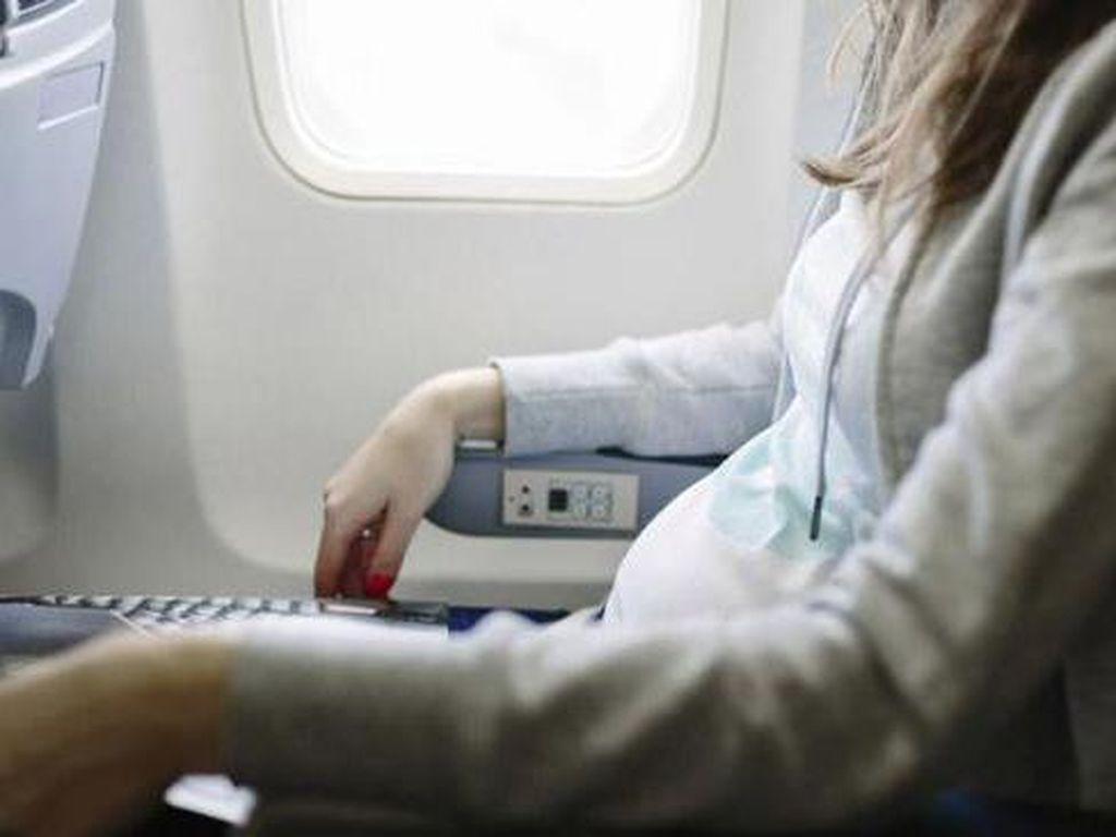 Diperlakukan Rasis di Pesawat, Wanita Ini Curhat di Facebook