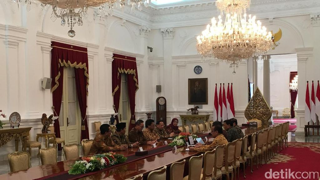 Pertemuan Jokowi dan Pimpinan MPR Singgung Sikap Saling Lapor