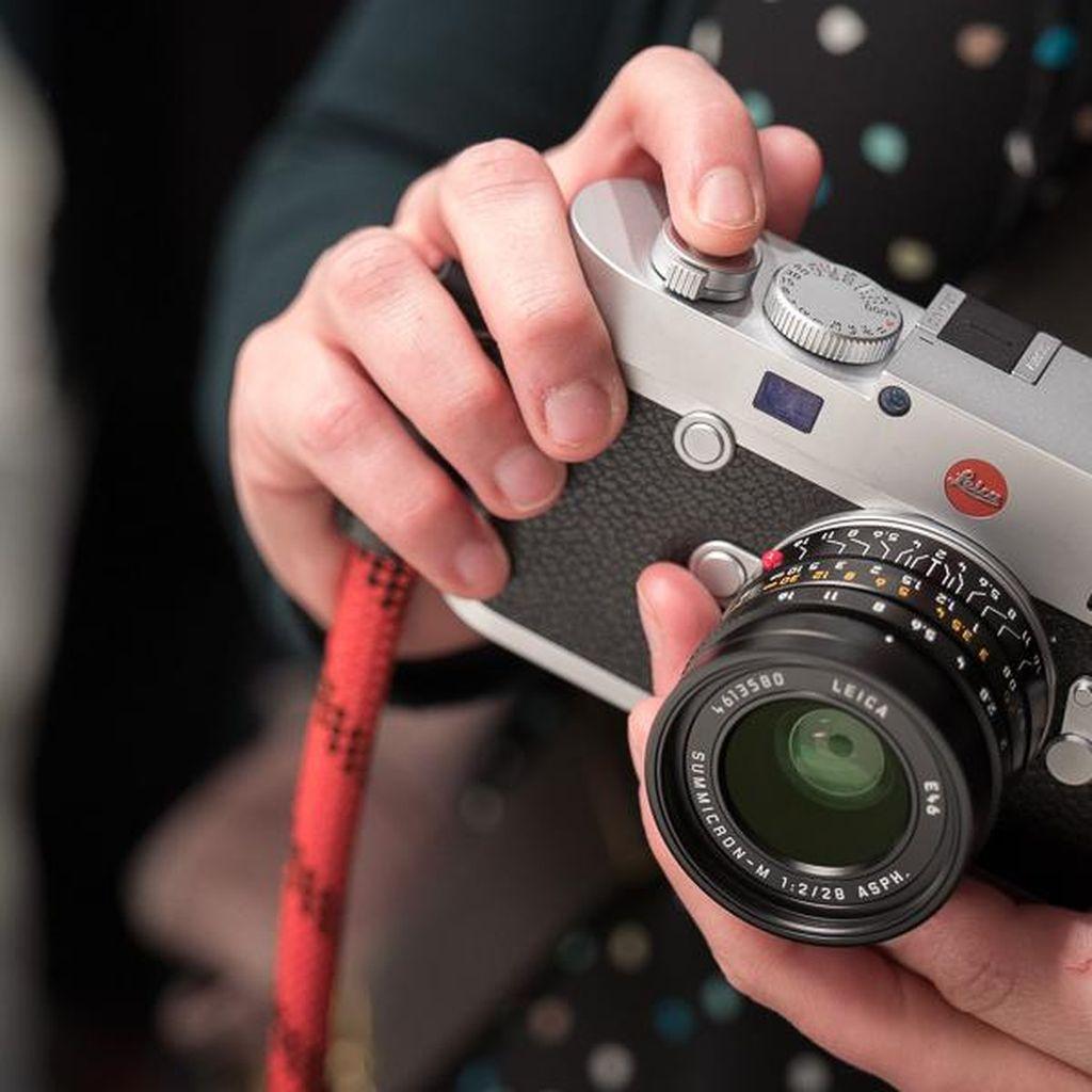 Kamera Leica M10 Sodorkan Desain Paling Seksi