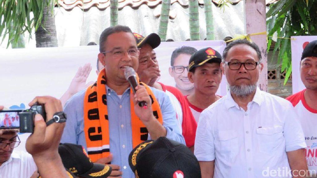 Temani Anies Blusukan di Kebon Jeruk, Bambang Widjojanto Berpantun